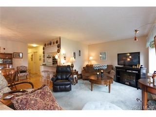 Photo 2: 1 515 Mount View Ave in VICTORIA: Co Hatley Park Row/Townhouse for sale (Colwood)  : MLS®# 664892