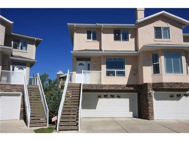 Main Photo: 30 COUNTRY HILLS Gardens NW in CALGARY: Country Hills Townhouse for sale (Calgary)  : MLS®# C3490280