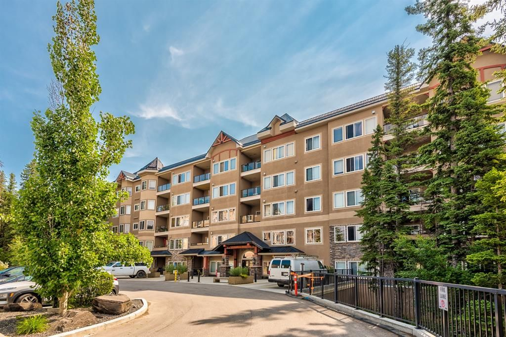 Main Photo: 421 20 Discovery Ridge Close SW in Calgary: Discovery Ridge Apartment for sale : MLS®# A1128023