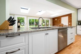 Photo 12: 353 Pritchard Rd in : CV Comox (Town of) House for sale (Comox Valley)  : MLS®# 876996