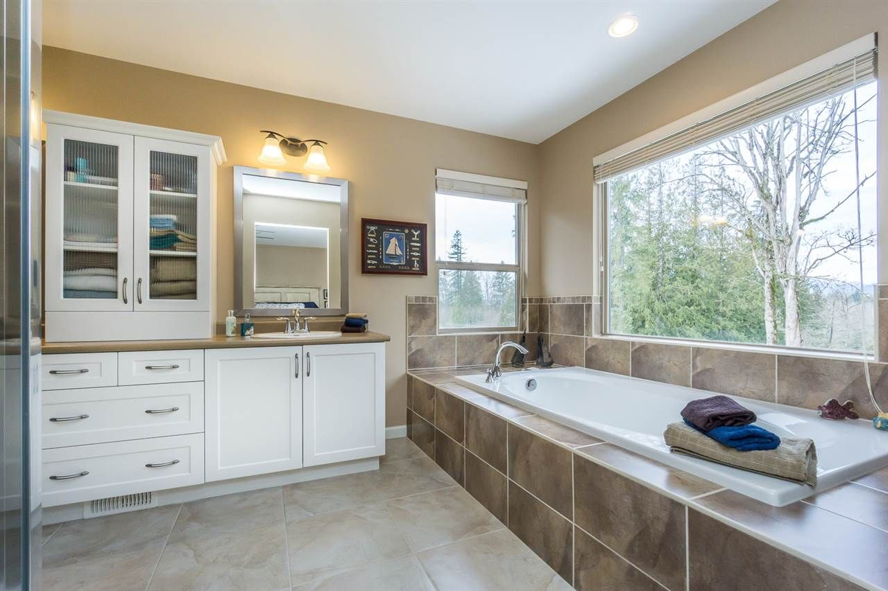 """Photo 12: Photos: 24425 KIMOLA Drive in Maple Ridge: Albion House for sale in """"THE UPLANDS @ MAPLECREST"""" : MLS®# R2139124"""