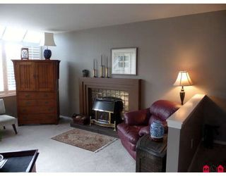 Photo 3: 14722 GOGGS Avenue in White_Rock: White Rock House for sale (South Surrey White Rock)  : MLS®# F2902071
