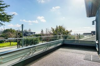 """Photo 34: 1551 ARCHIBALD Road: White Rock House for sale in """"West White Rock"""" (South Surrey White Rock)  : MLS®# R2605550"""