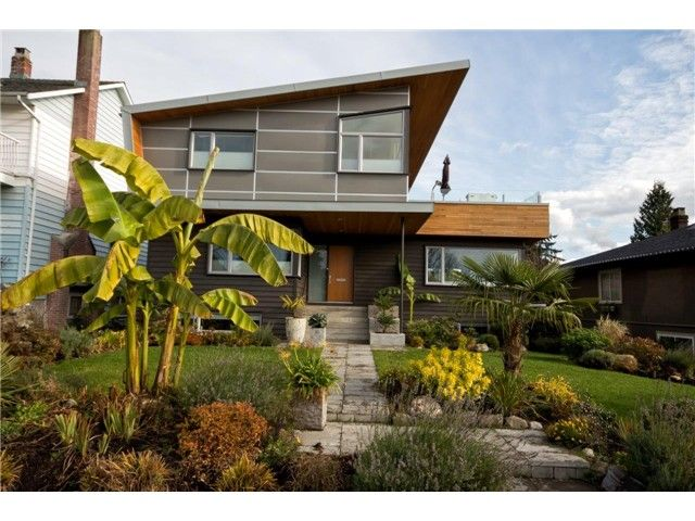 Main Photo: 1040 GRAND BV in North Vancouver: Boulevard House for sale : MLS®# V1067780