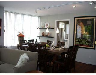 """Photo 3: 403 1566 W 13TH Avenue in Vancouver: Fairview VW Condo for sale in """"ROYAL GARDENS"""" (Vancouver West)  : MLS®# V768607"""