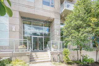 """Photo 2: 403 2483 SPRUCE Street in Vancouver: Fairview VW Condo for sale in """"SKYLINE"""" (Vancouver West)  : MLS®# R2189151"""