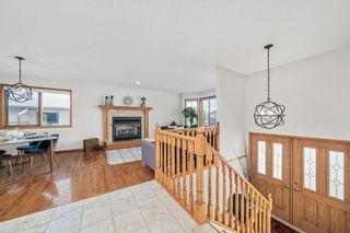Photo 2: 92 Arbour Glen Close NW in Calgary: Arbour Lake Detached for sale : MLS®# A1066556