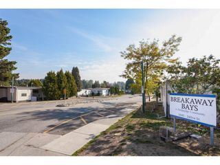"""Photo 33: 280 1840 160 Street in Surrey: King George Corridor Manufactured Home for sale in """"BREAKAWAY BAYS"""" (South Surrey White Rock)  : MLS®# R2517093"""