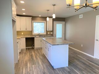 Photo 6: 136 5th Avenue Southwest in Dauphin: Southwest Residential for sale (R30 - Dauphin and Area)  : MLS®# 202110889