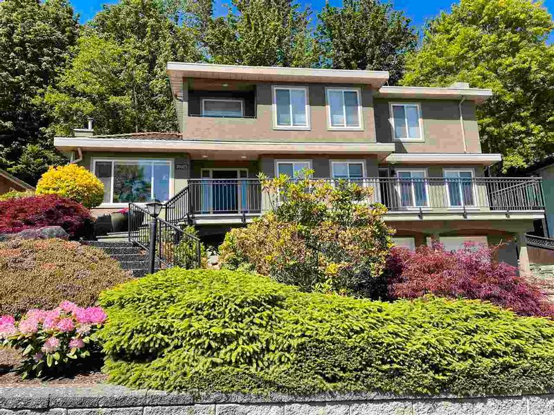FEATURED LISTING: 35923 REGAL Parkway Abbotsford
