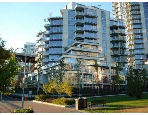 """Main Photo: 803 633 KINGHORNE MEWS Street in Vancouver: False Creek North Condo for sale in """"ICON II"""" (Vancouver West)  : MLS®# V674604"""