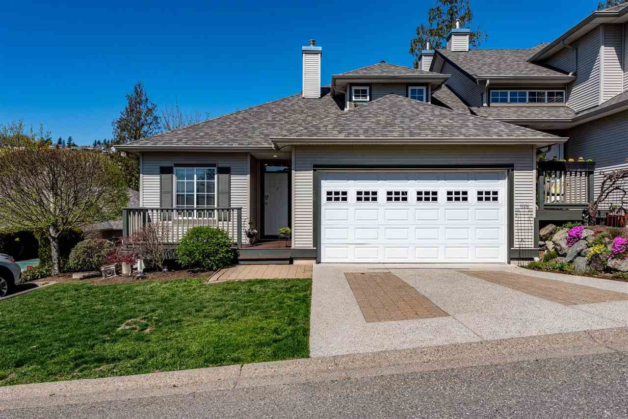 """Main Photo: 30 2088 WINFIELD Drive in Abbotsford: Abbotsford East Townhouse for sale in """"The Plateau on Winfield"""" : MLS®# R2566864"""