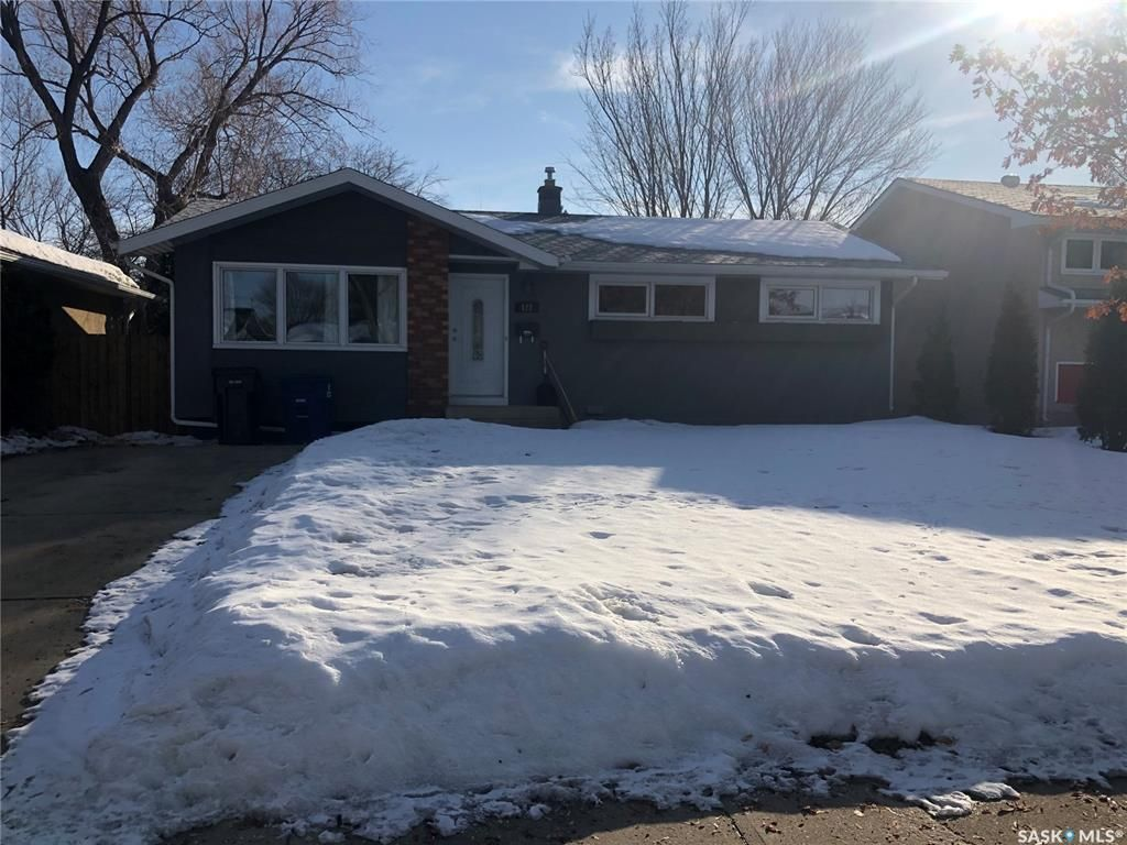 Main Photo: 122 Tucker Crescent in Saskatoon: Brevoort Park Residential for sale : MLS®# SK844911