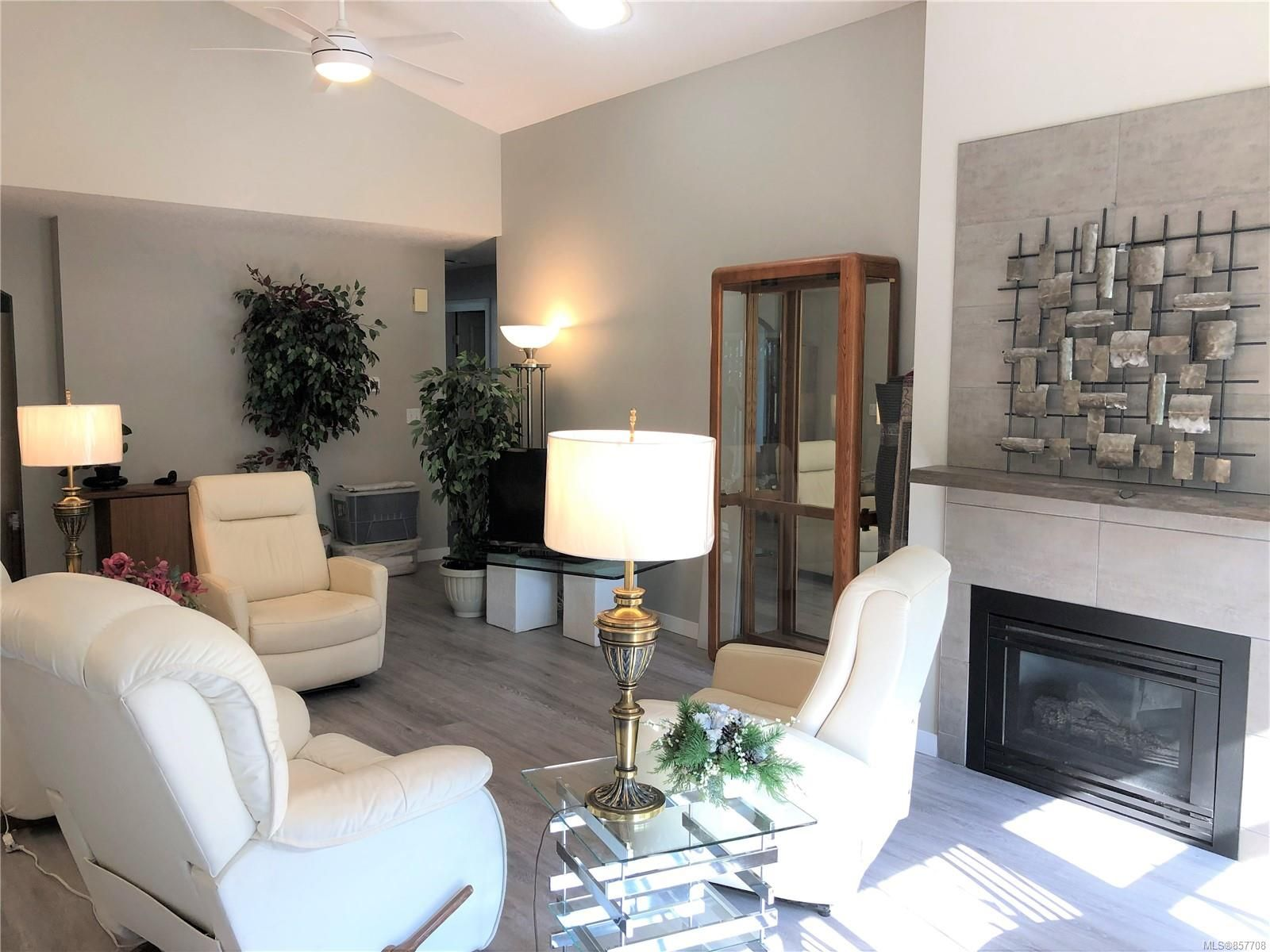 Photo 6: Photos: 6151 Bellflower Way in : Na North Nanaimo Row/Townhouse for sale (Nanaimo)  : MLS®# 857708