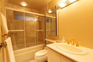 Photo 17: 1209 CLYDE Avenue in West Vancouver: Ambleside House for sale : MLS®# R2545033