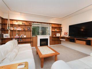 Photo 2: 204 1157 Fairfield Rd in Victoria: Vi Fairfield West Condo for sale : MLS®# 842989