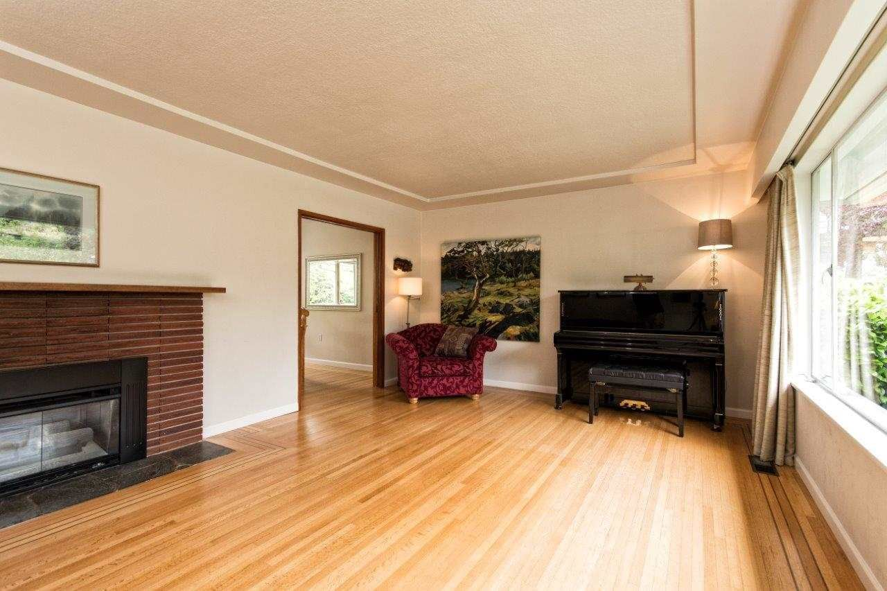 """Photo 11: Photos: 915 E 13TH Street in North Vancouver: Boulevard House for sale in """"Grand Boulevard"""" : MLS®# R2535688"""