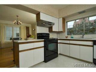 Photo 5: 1376 Craigdarroch Rd in VICTORIA: Vi Rockland House for sale (Victoria)  : MLS®# 507180