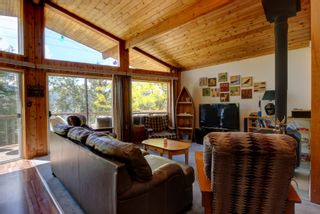 Photo 13: 7633 Squilax Anglemont Road: Anglemont House for sale (North Shuswap)  : MLS®# 10233439
