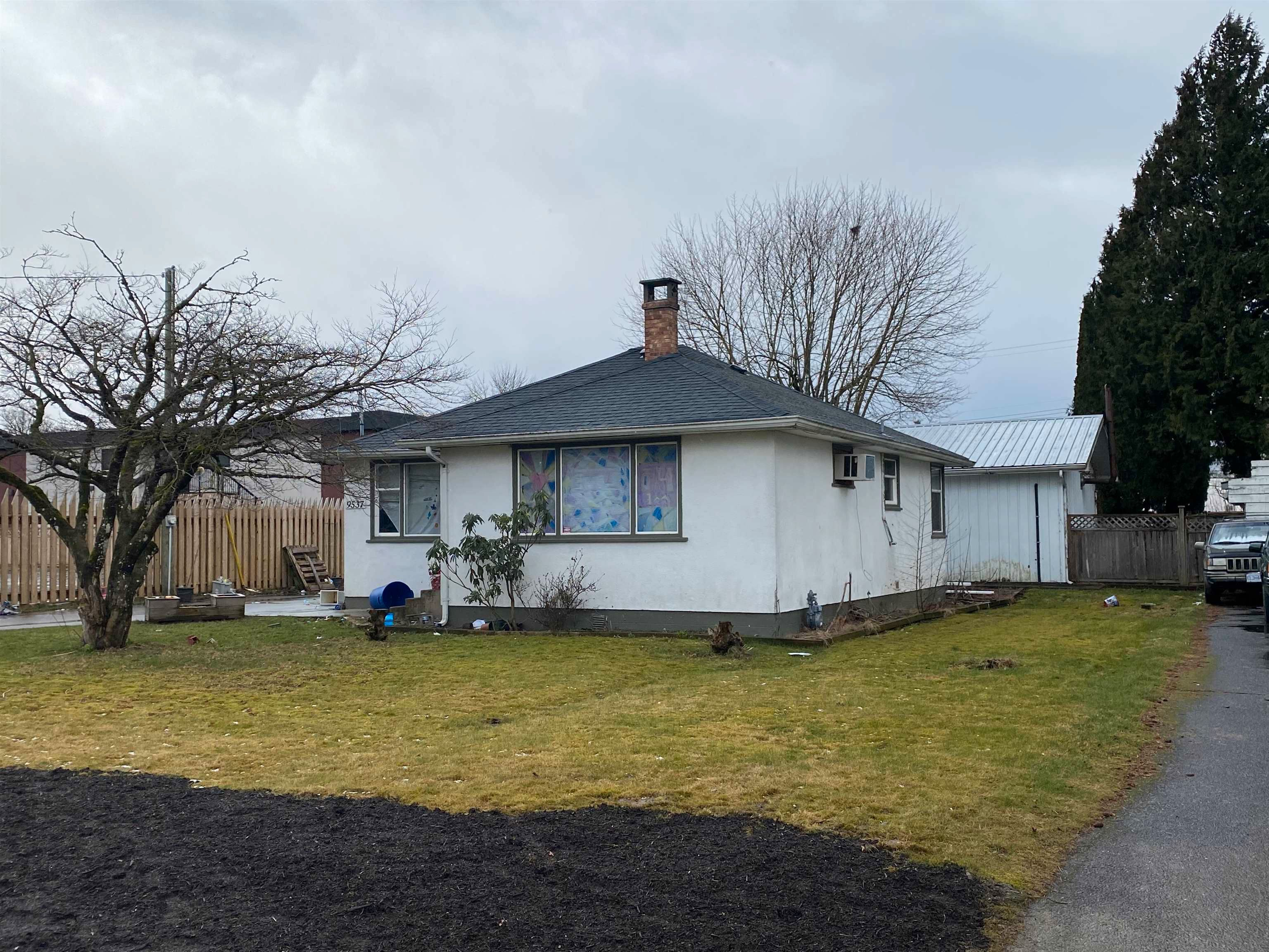 Main Photo: 9537 FLETCHER Street in Chilliwack: Chilliwack N Yale-Well House for sale : MLS®# R2609054