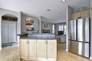 Photo 12: 51 Prestwick Street SE in Calgary: McKenzie Towne Detached for sale : MLS®# A1086286
