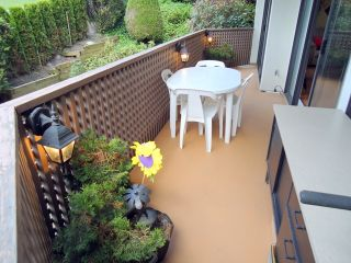 """Photo 9: 207 1955 WOODWAY Place in Burnaby: Brentwood Park Condo for sale in """"DOUGLAS VIEW"""" (Burnaby North)  : MLS®# V896512"""