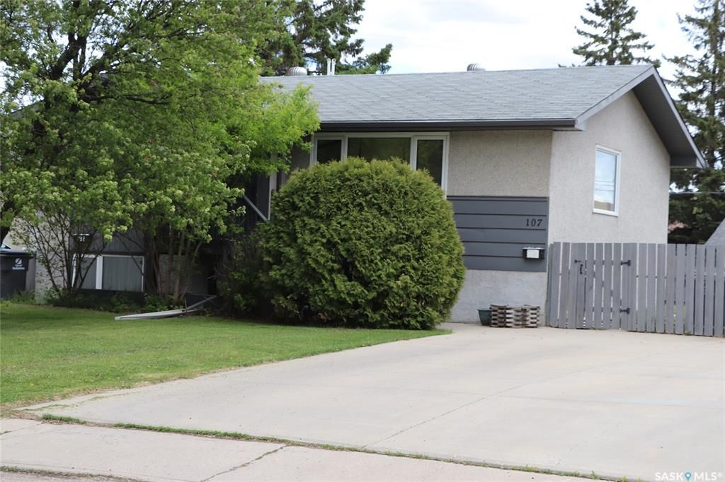 Main Photo: 107 Fitzgerald Street in Saskatoon: Forest Grove Residential for sale : MLS®# SK856810