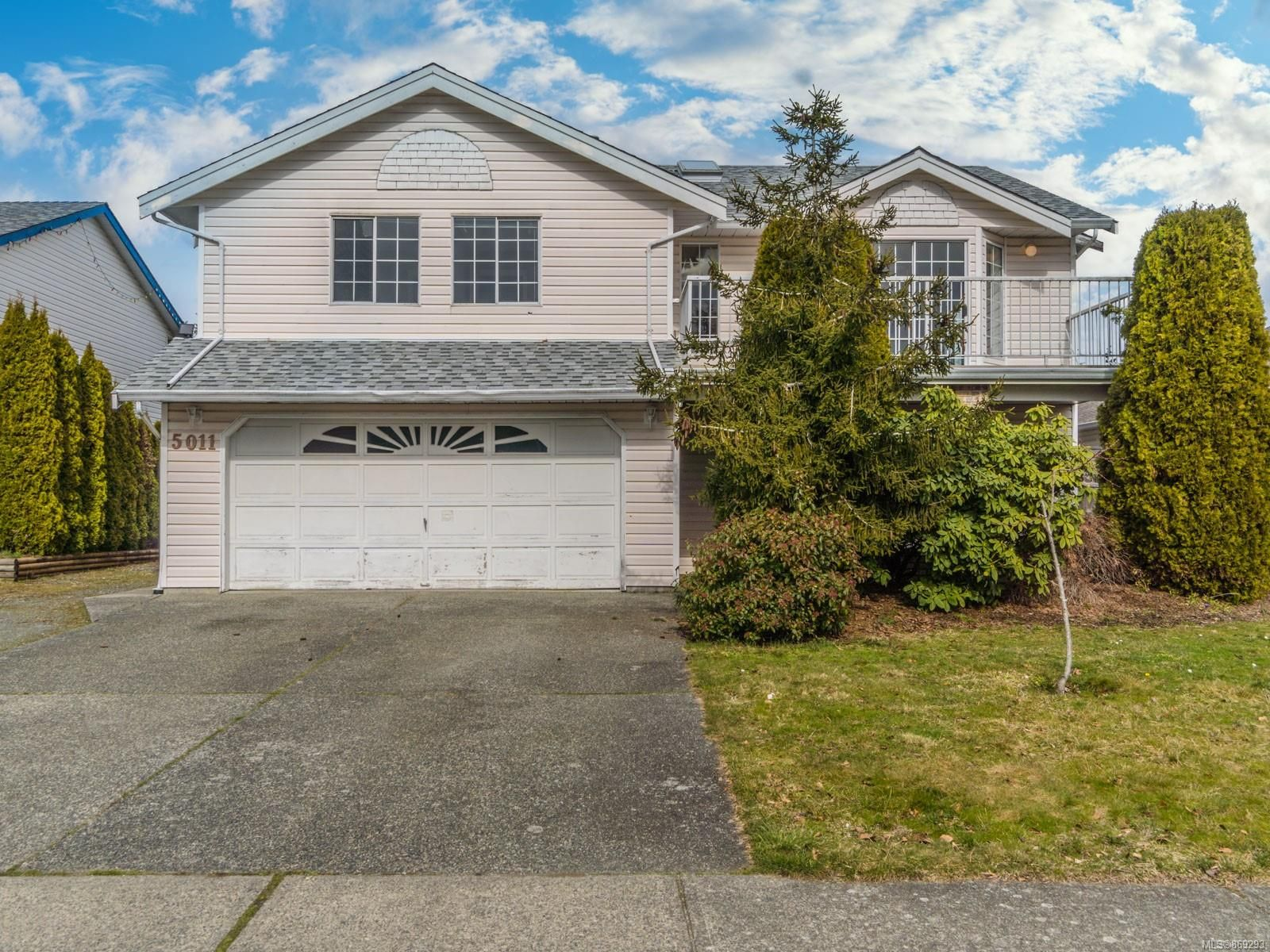Main Photo: 5011 Rheanna Pl in : Na Pleasant Valley House for sale (Nanaimo)  : MLS®# 869293