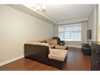 """Photo 3: 11 18199 70 Avenue in Surrey: Cloverdale BC Townhouse for sale in """"AUGUSTA AT PROVINCETON"""" (Cloverdale)  : MLS®# F1326688"""