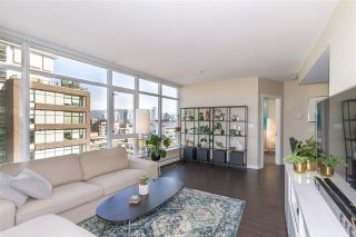 """Photo 4: 1008 1708 COLUMBIA Street in Vancouver: False Creek Condo for sale in """"Wall Centre- False Creek"""" (Vancouver West)  : MLS®# R2560917"""