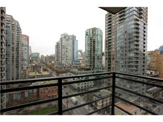 """Photo 6: 1608 909 MAINLAND Street in Vancouver: Yaletown Condo for sale in """"YALETOWN PARK"""" (Vancouver West)  : MLS®# V997068"""