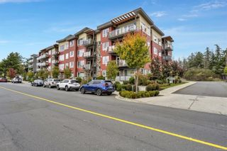 Photo 2: 302 300 Belmont Rd in : Co Colwood Corners Condo for sale (Colwood)  : MLS®# 888150