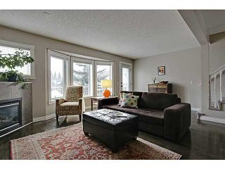 Photo 2: 262 REGAL Park NE in Calgary: Renfrew_Regal Terrace Townhouse for sale : MLS®# C3650275