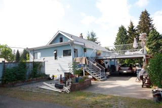 Photo 2: 810 COTTONWOOD Avenue in Coquitlam: Coquitlam West House for sale : MLS®# R2073509