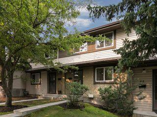 Photo 2: 43 310 BROOKMERE Road SW in Calgary: Braeside House for sale : MLS®# C4128783