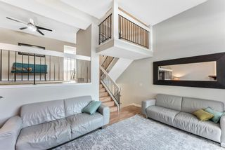 Photo 10: 108 Glamis Terrace SW in Calgary: Glamorgan Row/Townhouse for sale : MLS®# A1070053