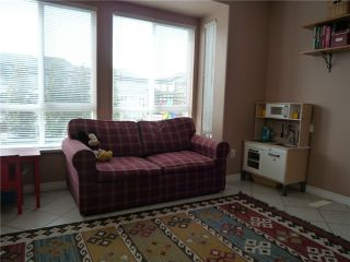 """Photo 3: 109 209 E 6TH Street in North Vancouver: Lower Lonsdale Townhouse for sale in """"ROSE GARDEN COURT"""" : MLS®# V882100"""