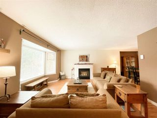 "Photo 5: 40613 N HIGHLANDS Way: Garibaldi Highlands House for sale in ""Garibaldi Highlands"" (Squamish)  : MLS®# R2533862"