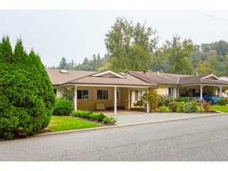 Photo 2: 11 3350 Elmwood Drive in Abbotsford: Central Abbotsford Townhouse for sale : MLS®# R2515809