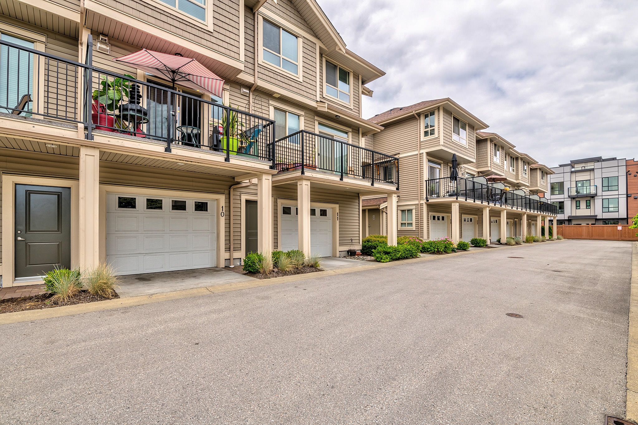 Photo 23: Photos: 10 19742 55A Street in Langley: Langley City Townhouse for sale : MLS®# R2388093