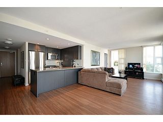 "Photo 4: # 306 2232 DOUGLAS RD in Burnaby: Brentwood Park Condo for sale in ""Affinity By BOSA"" (Burnaby North)  : MLS®# V999820"