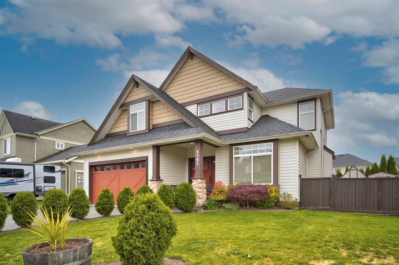 Main Photo: 8761 MACHELL Street in Mission: Mission BC House for sale : MLS®# R2571519