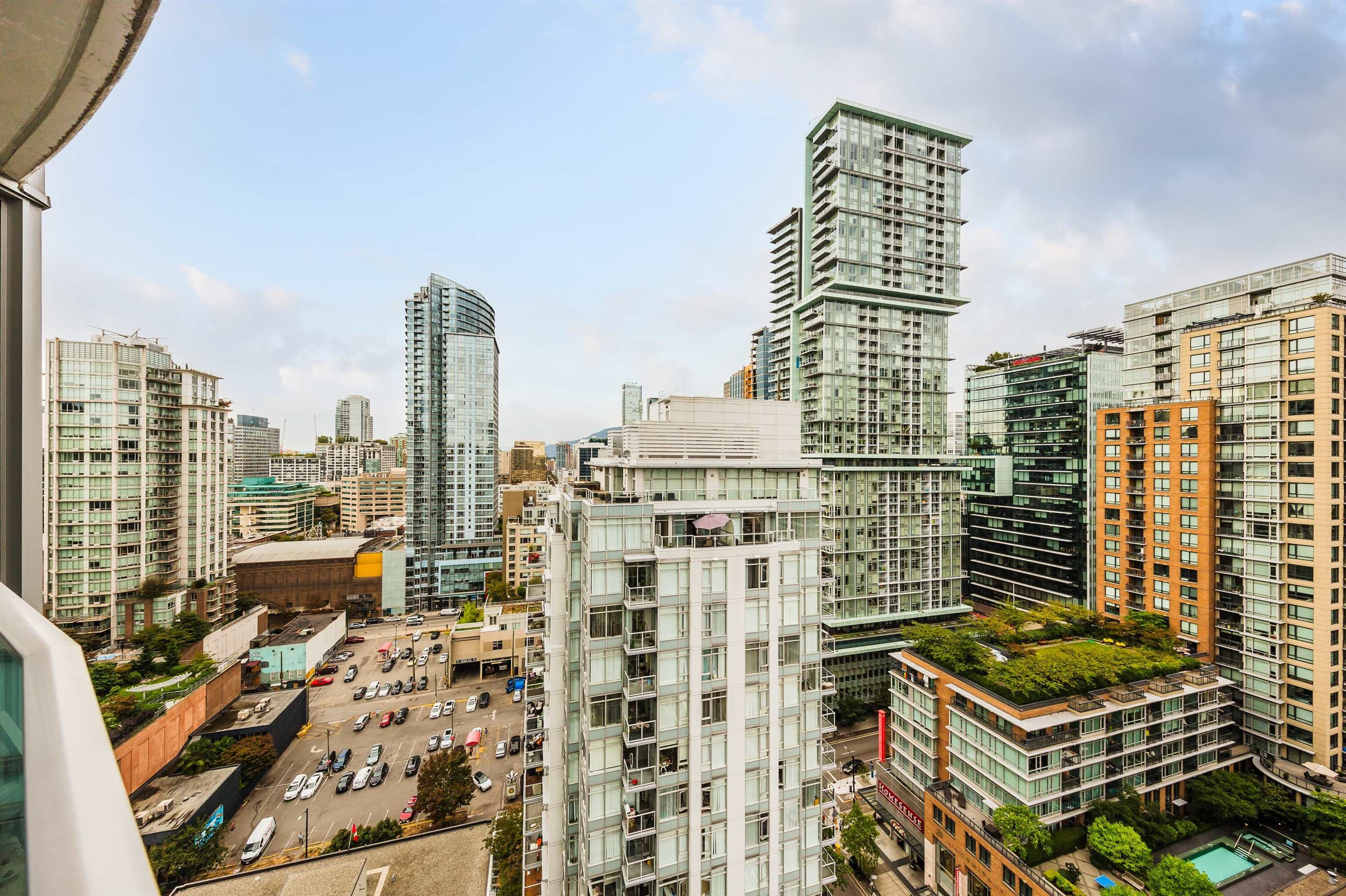 """Photo 3: Photos: 2302 833 HOMER Street in Vancouver: Downtown VW Condo for sale in """"Atelier"""" (Vancouver West)  : MLS®# R2615820"""