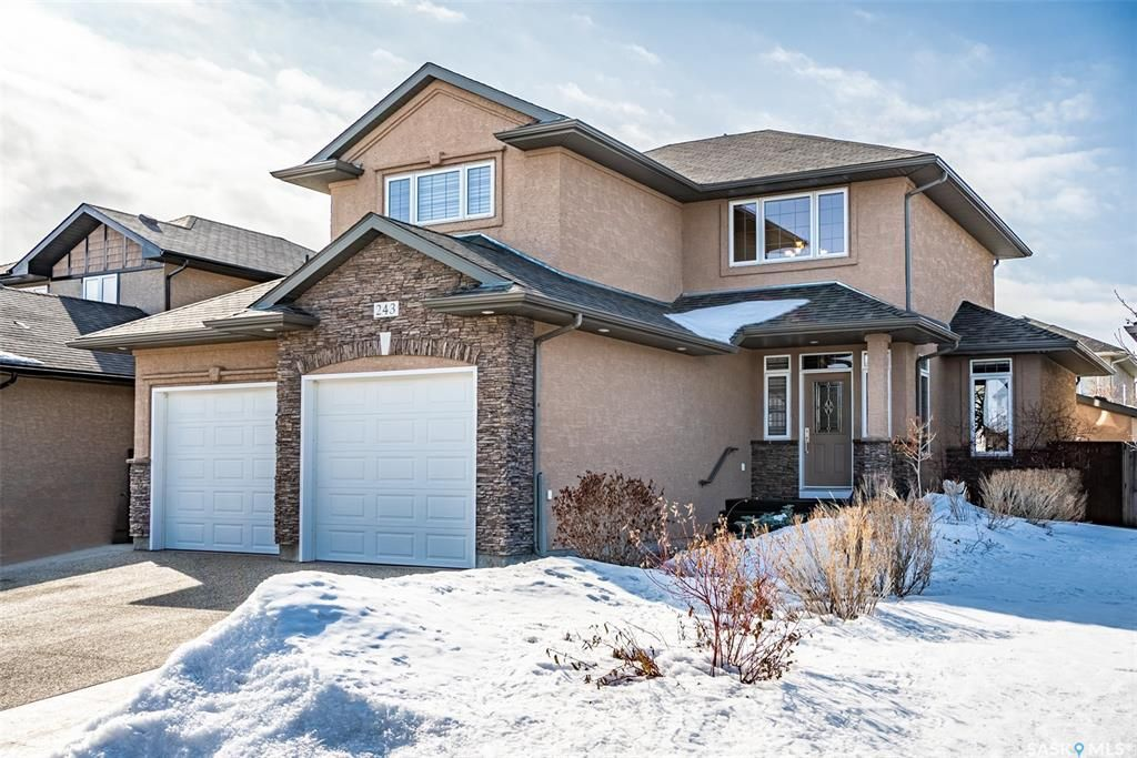 Main Photo: 243 Robertson Cove in Saskatoon: Stonebridge Residential for sale : MLS®# SK845468
