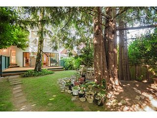 """Photo 12: 284 E 18TH Avenue in Vancouver: Main House for sale in """"Main Street"""" (Vancouver East)  : MLS®# V1068280"""