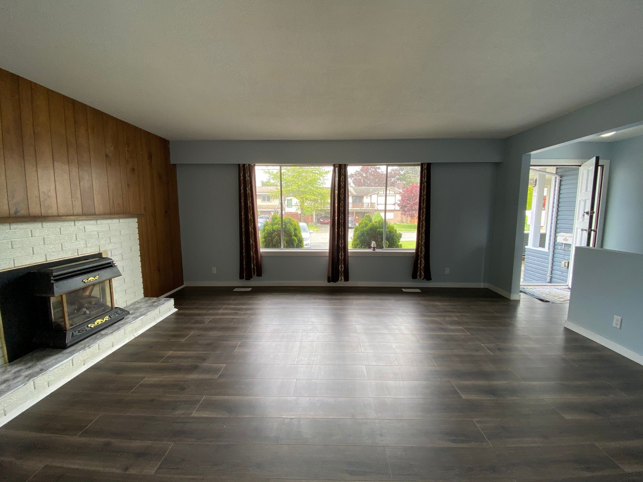 Photo 3: Photos: 2098 Lonsdale Cr. in Abbotsford: Abbotsford West House for rent