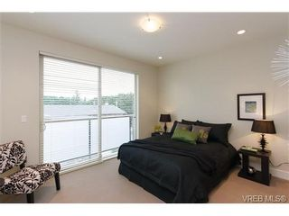 Photo 10: Fee Simple Townhome in Sidney By The Sea