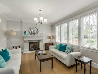 Photo 2: 335 E 20th St in North Vancouver: Central Lonsdale House for sale : MLS®# V1124625