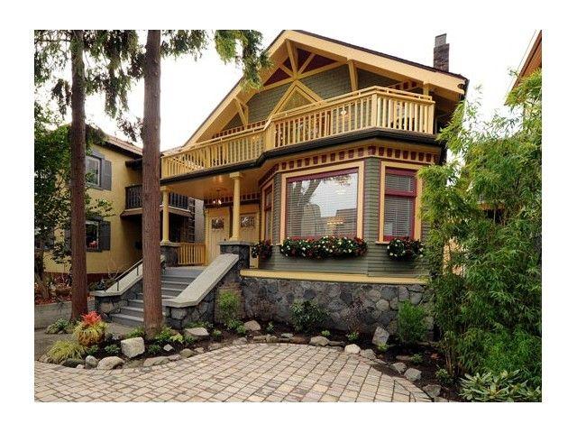 Main Photo: 1421 Walnut Street in Vancouver West: Kitsilano Triplex for sale : MLS®# V1037289