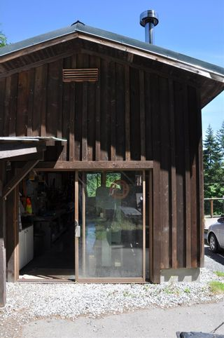 Photo 3: 174 Woodland Dr in : GI Salt Spring House for sale (Gulf Islands)  : MLS®# 879444
